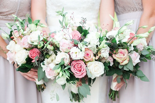 5 Great Budget-Friendly Floral Arrangement Ideas for Your Wedding with NYC Limo Rental