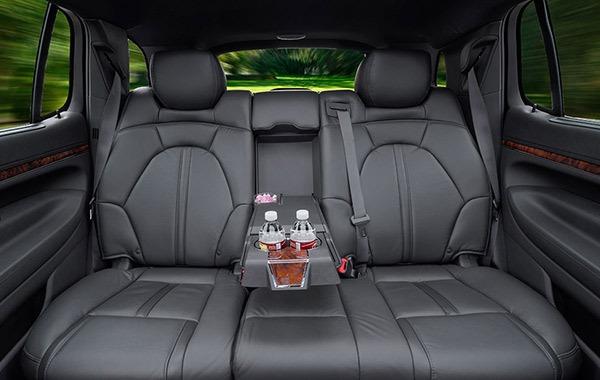 mkt-sedan-int